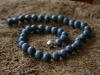 thumbs schuimkoraal blauw 2 colliers/hangers